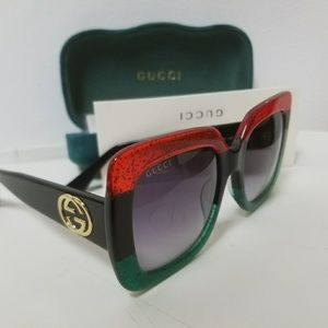 Authentic Gucci Oversized beautiful sunglasses.
